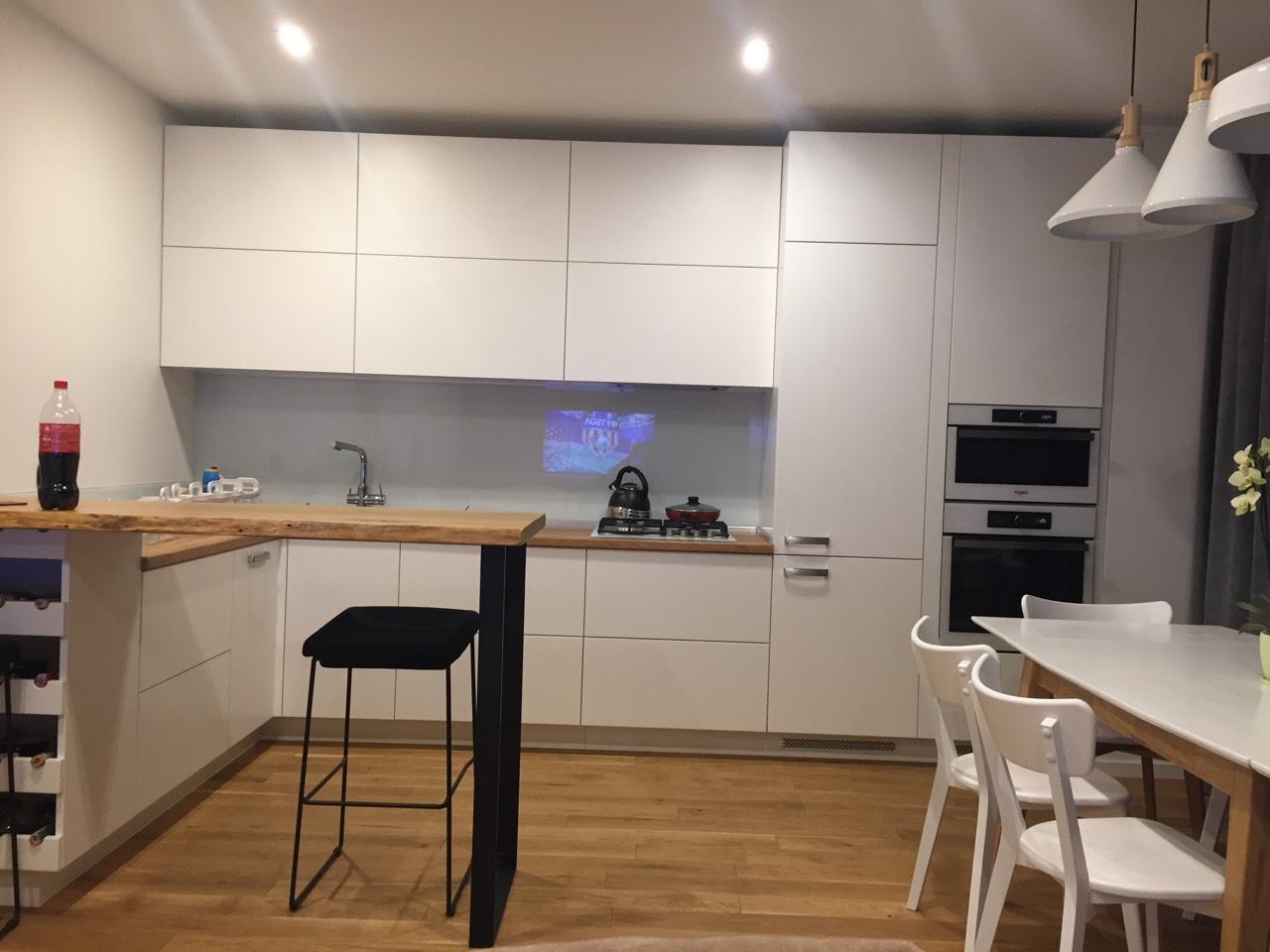 Кухня белая на заказ Киев Фото 2