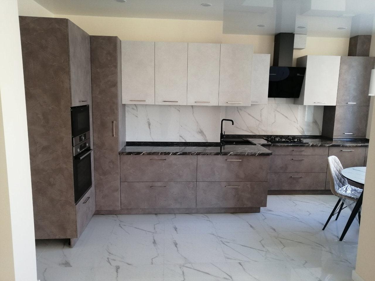 Кухня на заказ угловая 0420-61
